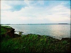 """Озеро """"Горькое"""" с берега в обработке.jpg"""