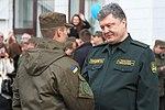 Президент України Петро Порошенко привітав молодих офіцерів з випуском 8895 (16945096255).jpg