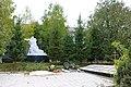 Пултівці, Пам'ятник 80 воїнам односельчанам загиблим на фронтах ВВВ, біля школи.jpg