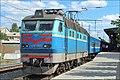 Электровоз ЧС4-048 с поездом №90 Жмеринка - Москва, станция Жмеринка. - panoramio.jpg