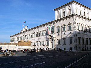 El palacio del Quirinal, fachada que da a la plaza.