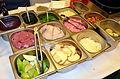 02015 0707 Die traditionellen Grundnahrungsmittel von Silesia - Schweinefleisch, Hering, Hähnchenbrustfilet und Reis, Kartoffeln, Käse.JPG