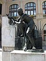 02 Monument a Sallarès i Pla, pl. Doctor Robert.jpg