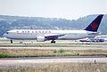 140at - Air Canada Boeing 767-375ER; C-GSCA@ZRH;25.07.2001 (5531613849).jpg