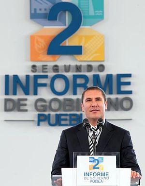 Rafael Moreno Valle Rosas - Image: 15 01 2013 2º Informe de Gobierno de Rafael Moreno Valle