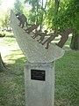 180729 Almádi szoborpark (22) Széli Varga Géza Csónakban.jpg