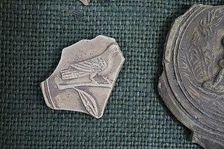 Lampe - colombe (Musée de Die)