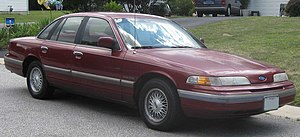 1992 Ford Crown Victoria LX.jpg