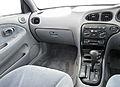 2000 Hyundai Lantra (J3) GLS sedan (2011-04-22) 02.jpg
