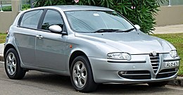 2002 Alfa Romeo 147 (MY02) Selespeed Twin Spark 5-door hatchback (2010-11-28).jpg
