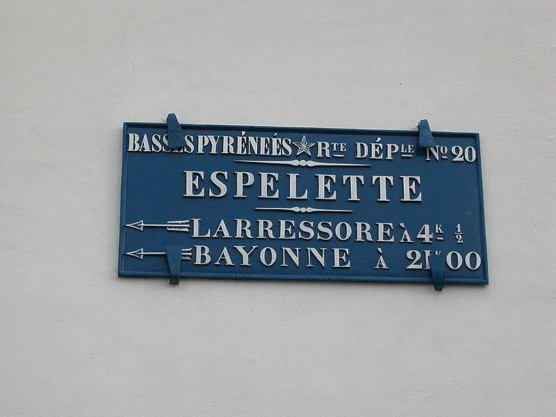 Plaque de cocher à Espelette.