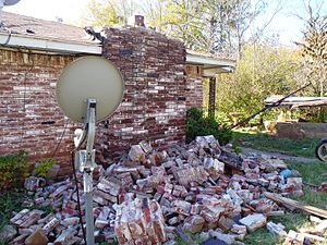 2011 Oklahoma earthquake - Chimney damage from the earthquake
