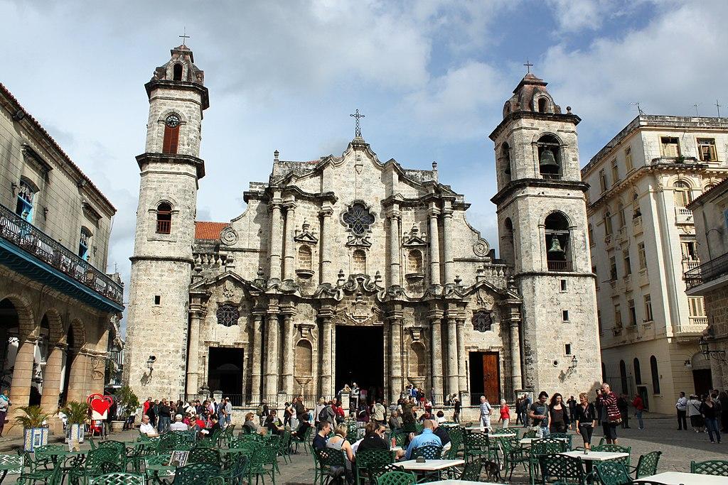 Kuba 1024px-2012-Catedral_de_San_Cristobal_anagoria_01