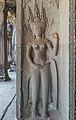 2016 Angkor, Angkor Wat, Główna świątynia, Zewnętrzna galeria, Devata (02).jpg