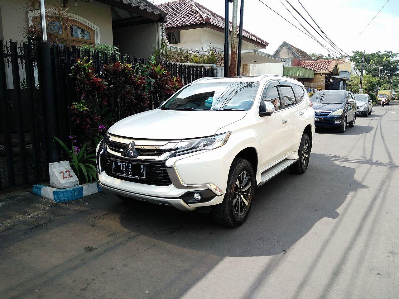 File 2017 Mitsubishi Pajero Sport Malang Jpg Wikimedia