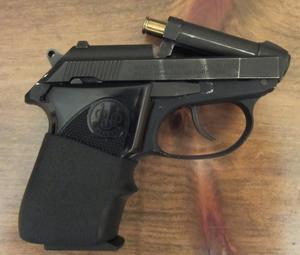 Beretta 3032 Tomcat - Beretta 3032 tip-up barrel.