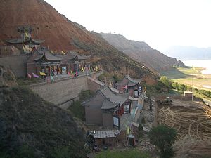 Linxia County - A new temple near the Liujiaxia Reservoir