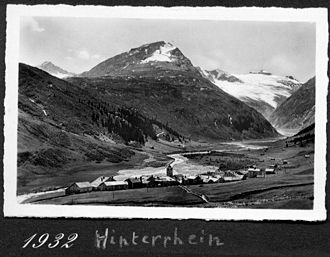 Vogelberg - The snowy massif of the Vogelberg (right) from Hinterrhein