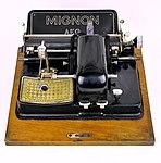AEG typewriter with Cyrillic letters model Mignon 3.jpg