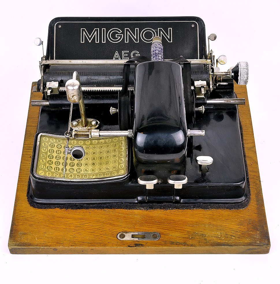 AEG typewriter with Cyrillic letters model Mignon 3