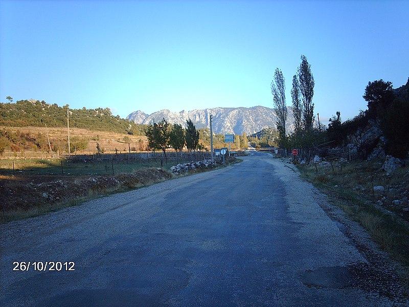 File:AKBELENLİ YOLU - panoramio.jpg