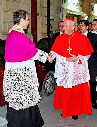 Canon (priest) - A canon receives Franc Rodé as guest of honour.