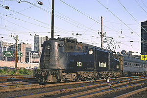 Clocker (train) - PRR GG1 on a Clocker leaving Philadelphia in 1976
