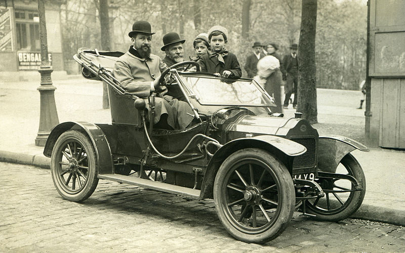 Fichier:A Brouhot car in Paris, 1910.jpg