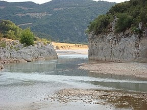 Acheloos river narrows 02.jpg