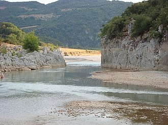 Geography of Greece - Image: Acheloos river narrows 02