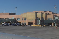 Albuquerque International Sunport terminal from tarmac 02.jpg