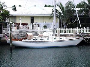 Allied Boat Company - Image: Allied 42