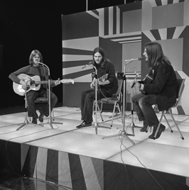 America in 1972 (v.l.n.r. Gerry Beckley, Dan Peek en Dewey Bunnell)