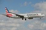 American Airlines Boeing 737-800 N980AN (16422912861).jpg
