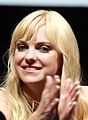 Anna Faris at the 2013 San Diego Comic Convention in 2013, -a (cropped).jpg