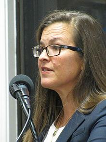 height Annie Jacobsen