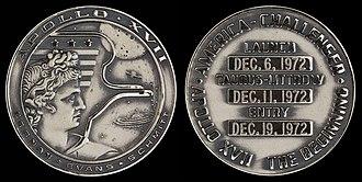 Apollo 17 - Apollo 17 space-flown silver Robbins medallion