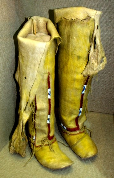 Arapaho leggings moccasins 1910 OHS