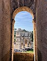 Arch of Constantine View from Colosseum (44541850660).jpg
