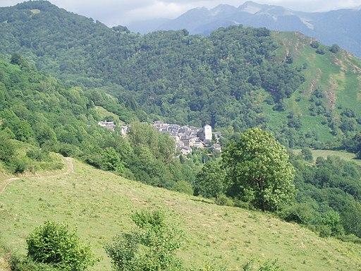 Argut-Dessus, Village