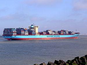 Arthur Maersk pic07 approaching Port of Rotterdam, Holland 08-Mar-2007.jpg