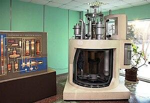 Макет реактора БН-600 Белоярской АЭС с вырезанными секторами для удобства обзора.
