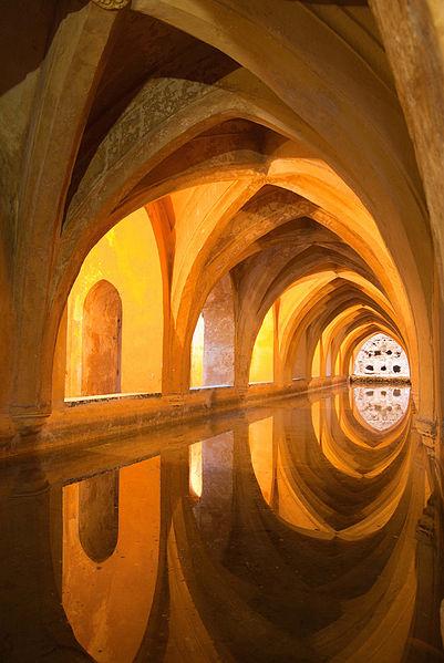 ESPAÑA: Baños de Doña María de Padilla, en los Reales Alcázares de Sevilla