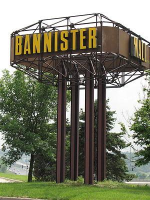 Bannister Mall - Image: Bannistermallsign