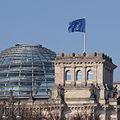 Berlin - reichstag mit europaflagge.jpg