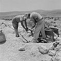 Bevloeiingswerken bij de kibboets Hakuk bij het Meer van Tiberias Arbeiders bez, Bestanddeelnr 255-4803.jpg