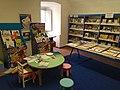 Biblioteca comunale di Montegiorgio stanza ragazzi.jpg