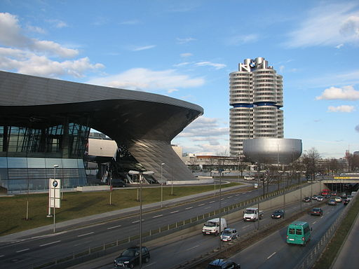 Bmw welt + headquater