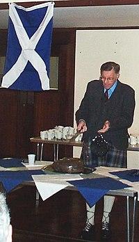 Bob Purdie addressing haggis 20040124
