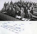 Bohr Heisenberg Pauli Meitner u.a. 1937.jpg